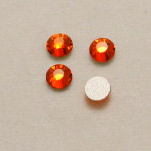 Strass 3mm rouge orangé transparent fond gris opaque (x 4)