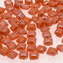 Perles en verre forme petit carré 6x6mm couleur orange brillant (x 10)