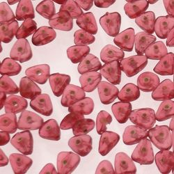 Perles en verre forme petit triangle couleur rose Fushia transparent (x 10)
